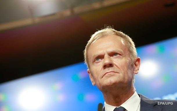 Туск призвал заключить торговое соглашение сБританией снулевым тарифом