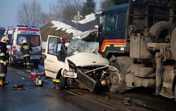 В Польше автобус с украинцами попал в ДТП, есть жертвы