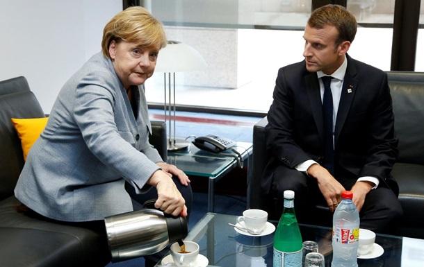 Меркель і Макрон перенесли реформи єврозони - ЗМІ