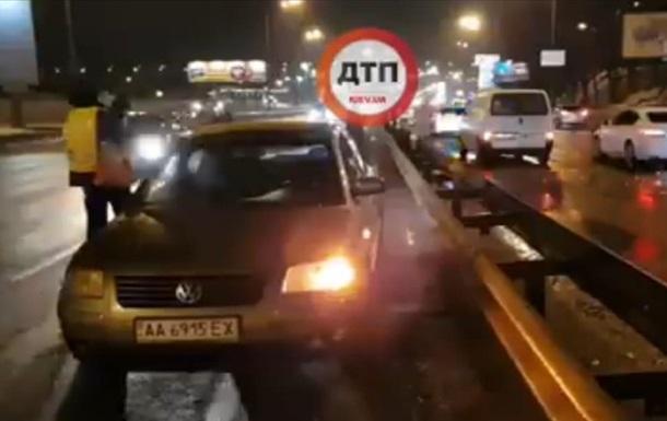 На Набережному шосе Києва за десять хвилин збили двох пішоходів