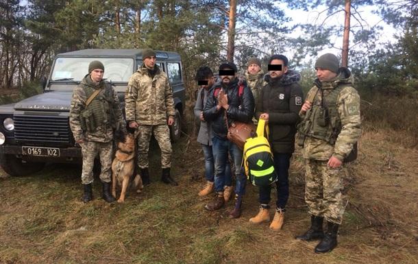 На границе с Польшей задержали трех индусов