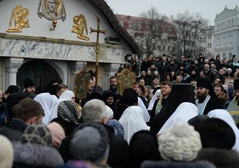 Радикалы по вызову: Зачем разгорелся скандал вокруг Десятинного монастыря?