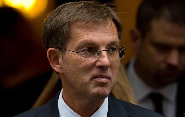 Прем єр Словенії йде у відставку