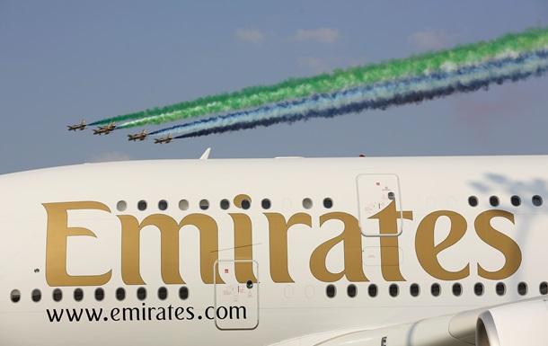 Из самолета компании Emirates выпал член экипажа