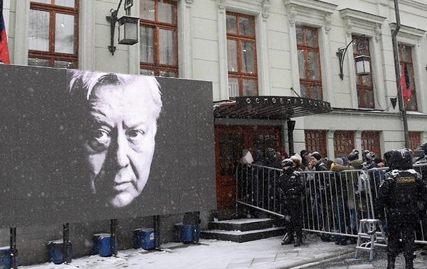 В Москве прощаются с актером Олегом Табаковым