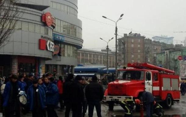 Мінування торгового центру у Києві: вибухівки не виявили