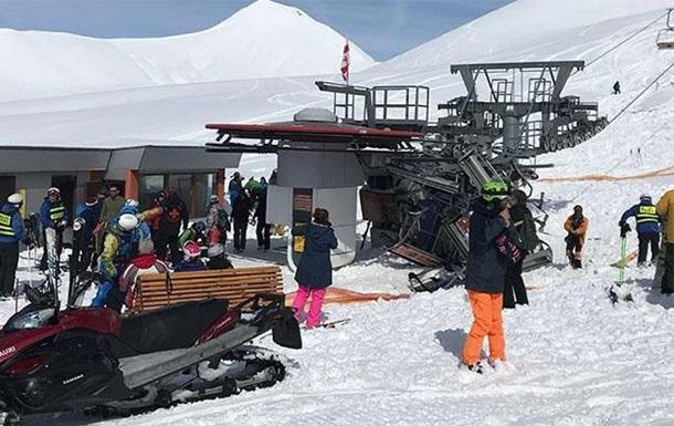 В аварии подъемника на курорте в Грузии пострадали двое украинцев