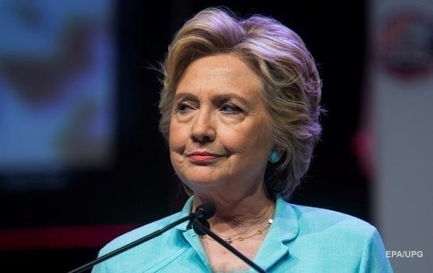 Хілларі Клінтон зламала зап ястя