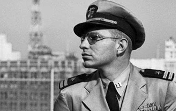 Отпраздновали День Рожденья писателя, капитана, члена Клуба Путешественников.