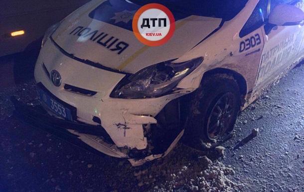 В Харькове пьяный водитель врезался в патрульное авто