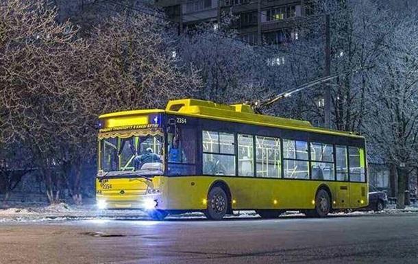 Транспорт в Киеве работает не по графику из-за непогоды