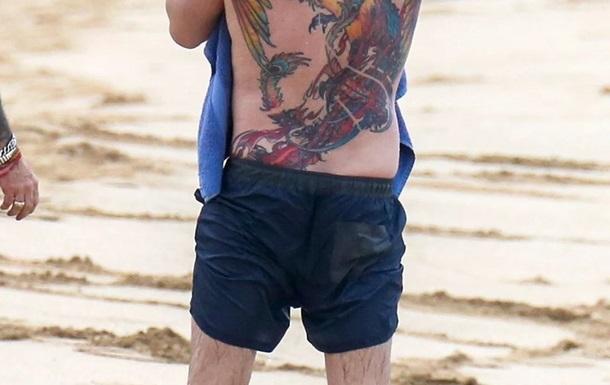 Татуировка Бена Аффлека вызвала споры в Сети