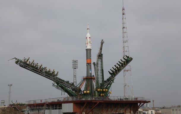 Росія запустила ракету з екіпажем для МКС