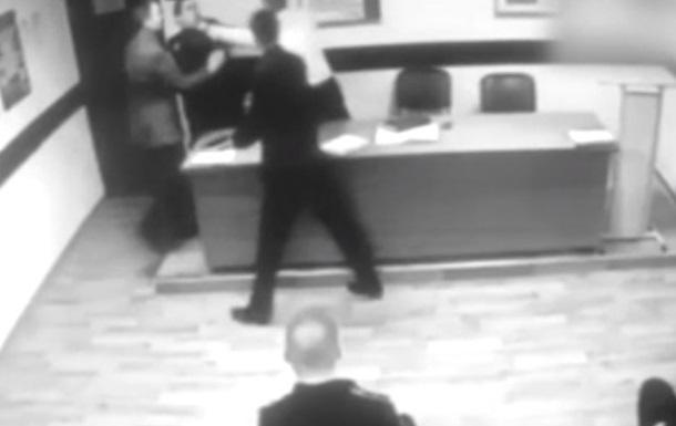 У Москві поліцейський хотів задушити підлеглого