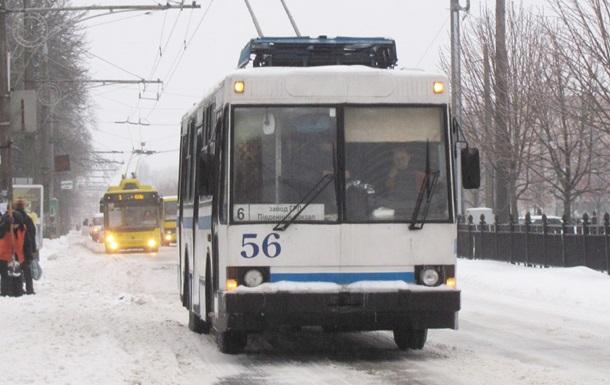 Жителя Полтавы при выходе из троллейбуса ударило током