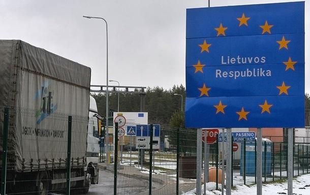 У Литві затримали російський тягач з нелегалами