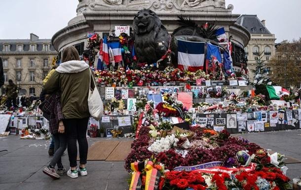 У Парижі засудили жінку, котра видавала себе за жертву теракту