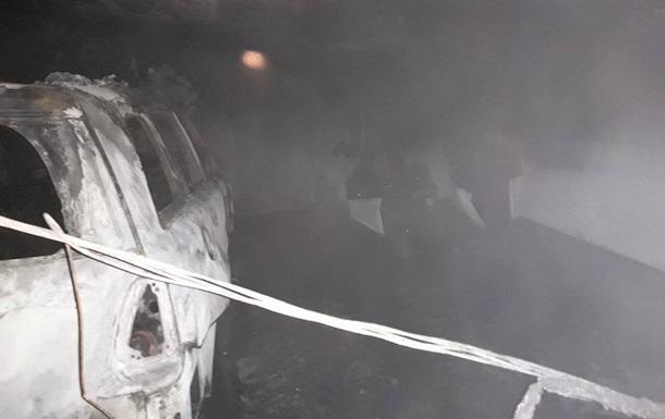 В одесском торговом центре произошел пожар на паркинге