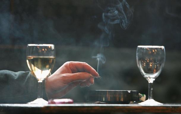 Українці витрачають на алкоголь і сигарети більше, ніж на здоров я