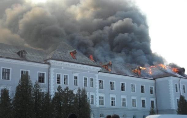 У Львівській області згоріла історична будівля