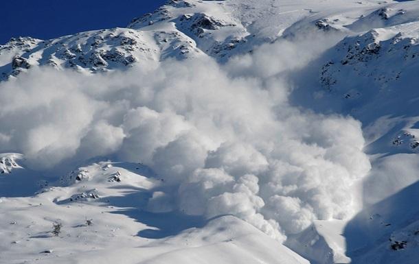 Дві лижниці загинули під лавиною у французьких Альпах