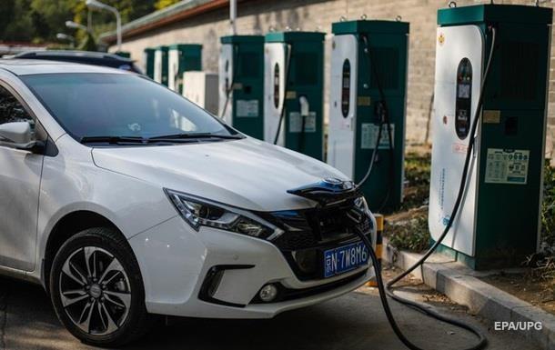 Кількість електрокарів в Україні за рік подвоїлася
