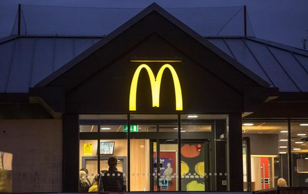 В українських McDonald s з являться офіціанти