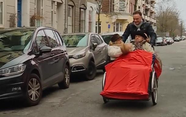 Покатай старого на велосипеді : датчанин заснував волонтерський рух