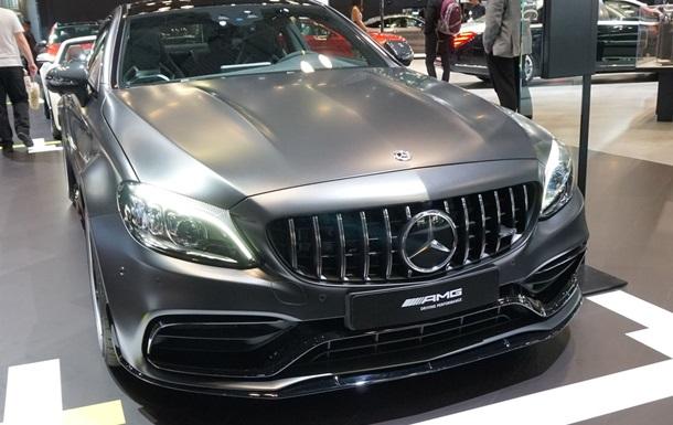 В Нью-Йорке показали обновленный Mercedes-AMG C63