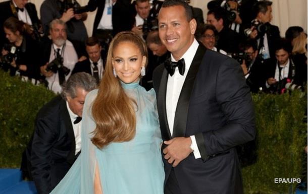 Лопес с возлюбленным купили апартаменты за $15 миллионов