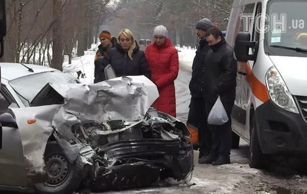 В Киевской области авто столкнулось с маршруткой