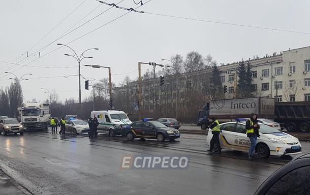 В Киеве при ДТП с авто инкассаторов пострадали два человека