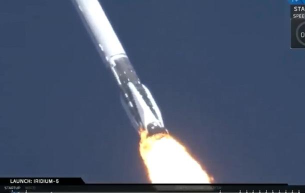SpaceX запустила оновлену версію Falcon 9