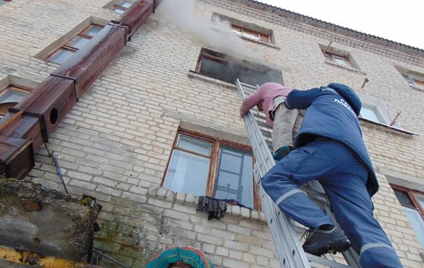 У Луганській області горів гуртожиток, є жертви