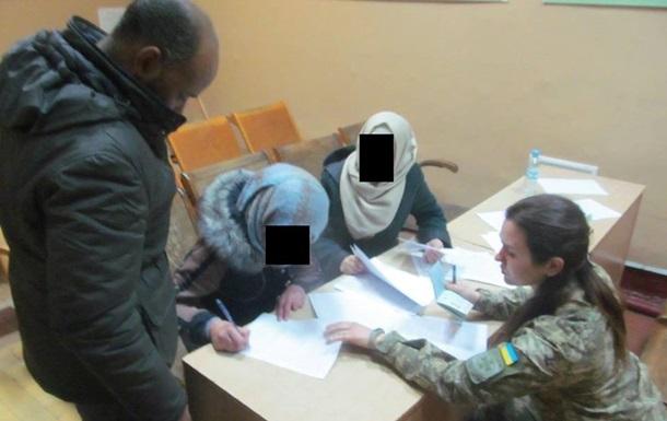 Дві громадянки Сирії попросили статус біженця в Україні