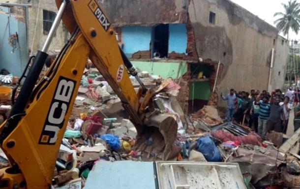 В Індії при обваленні готелю загинули дев ять осіб