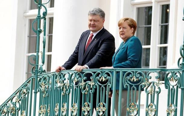 Порошенко зустрінеться з Меркель щодо миротворців