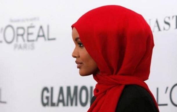Девушка в хиджабе впервые попала на обложку Vogue