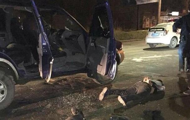 Стрілянина в Івано-Франківську: двоє поранених, 11 затриманих