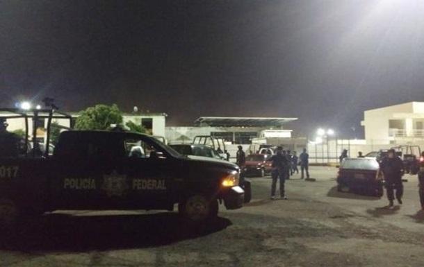 У Мексиці в ході бунту у в язниці загинули сім поліцейських