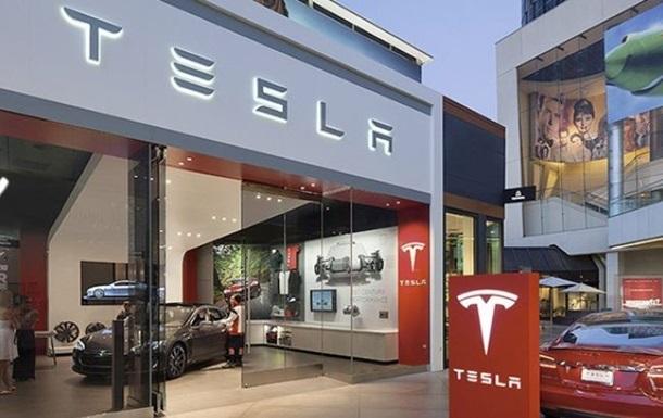 Акции Tesla рухнули на 5%