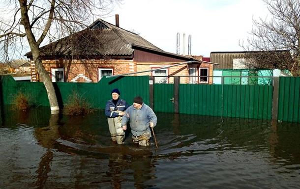 Паводок в Україні: залишаються підтопленими десятки домогосподарств