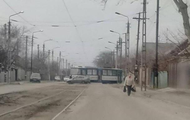 В Запорожье второй раз за месяц сошел с рельсов трамвай