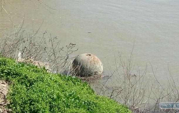 На Одещині спливла міна вагою в півтонни