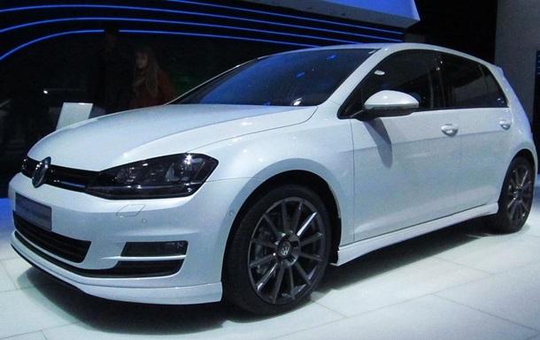 Українці стали купувати більше авто