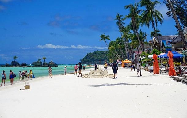 Филиппины закрыли для туристов самый популярный курорт