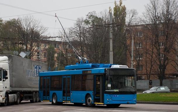 В Краматорске троллейбус зажал дверью руку пенсионерки и протащил по дороге