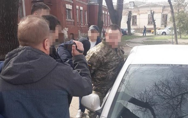 В Николаеве на взятке задержали  военного