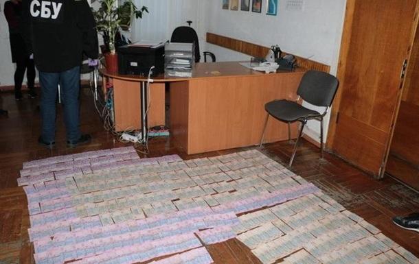 У Харкові підполковник поліції вимагав $10 тисяч хабаря