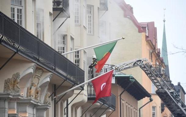 У Швеції підпалили посольство Португалії: 14 постраждалих